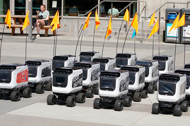 robots_comida_logistica_inteligente_tendencias_digitales_coronavirus_sm_digital